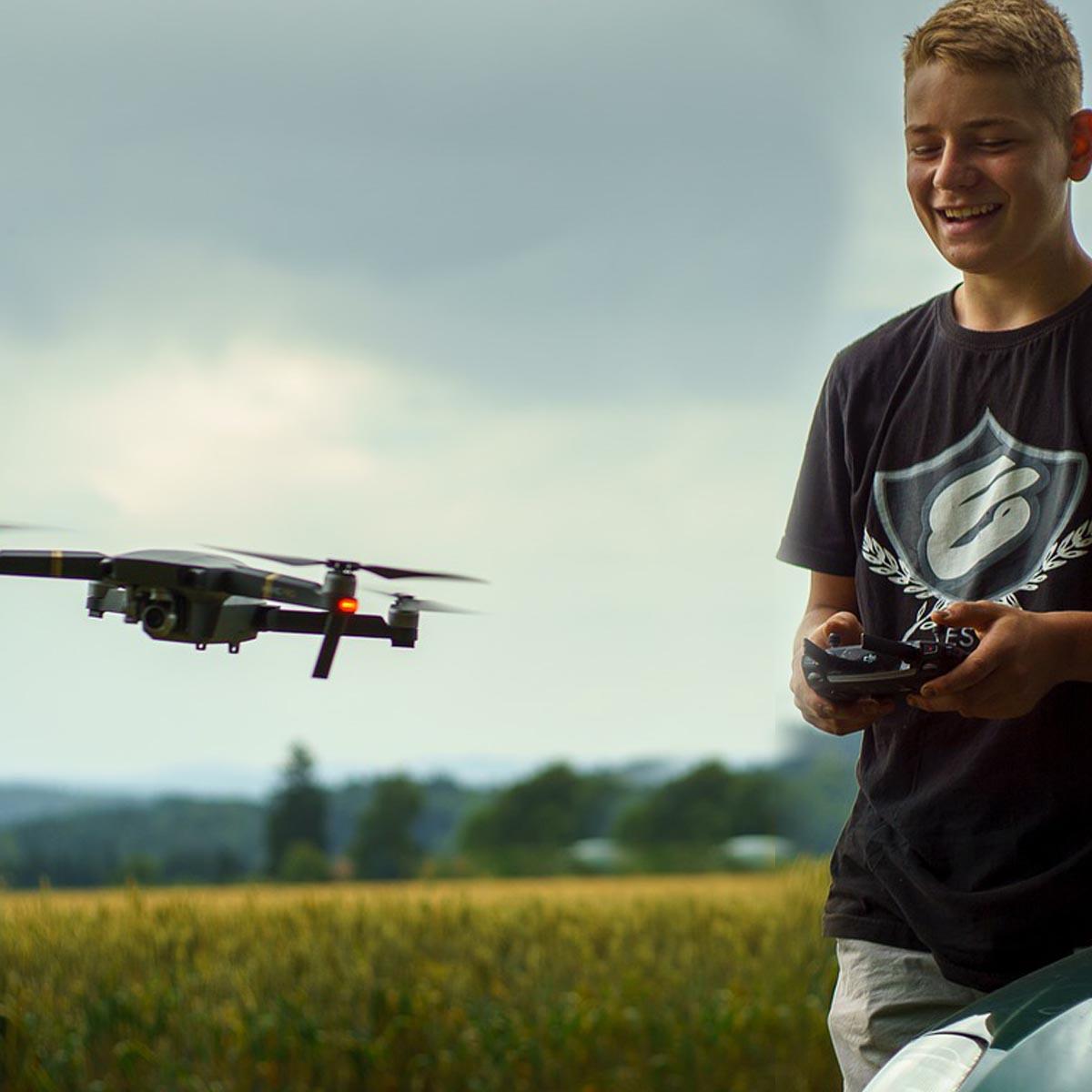ТОП-8 Лучшие недорогие дроны 2021 года