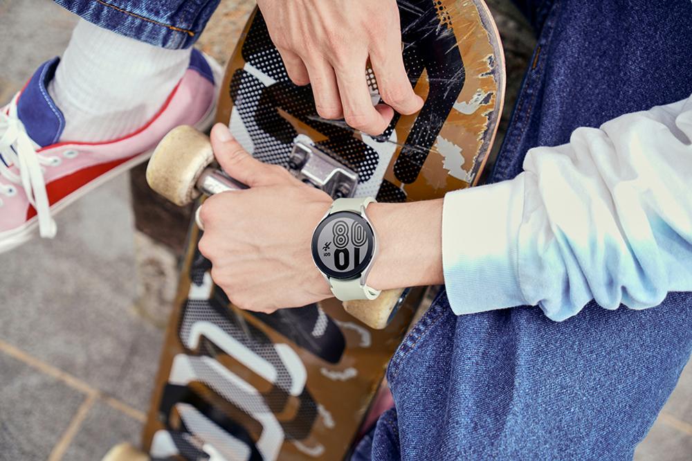 Samsung Galaxy Watch 4 дизайн 1