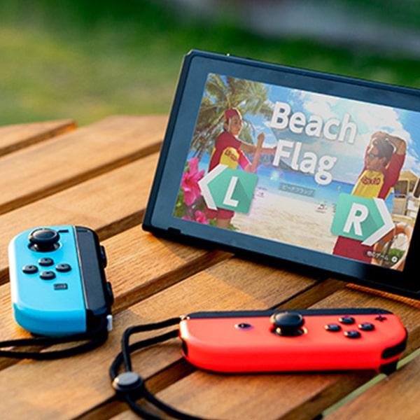 Изображение Nintendo Switch на столе
